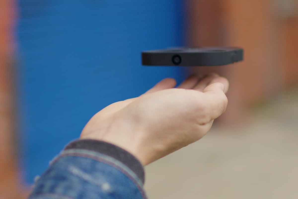 AIR PIX is the ultimate pocket aerial camera for selfies