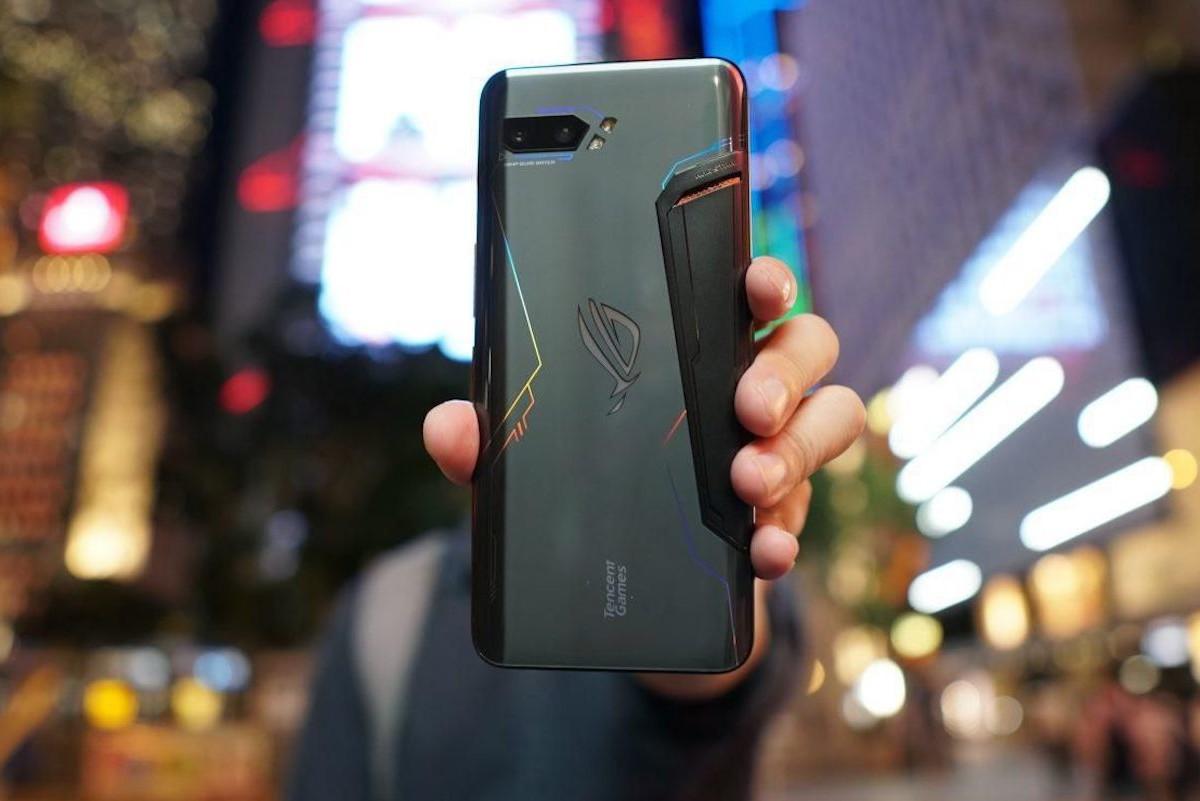 Asus ROG Phone 2 High-Performance Gaming Phone has a huge 6,000 mAh battery