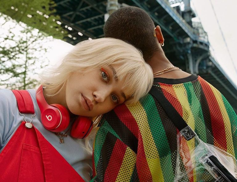 Beats+Solo3+Wireless+Club+Collection+On-Ear+Headphones+offer+bold+color+for+a+striking+look