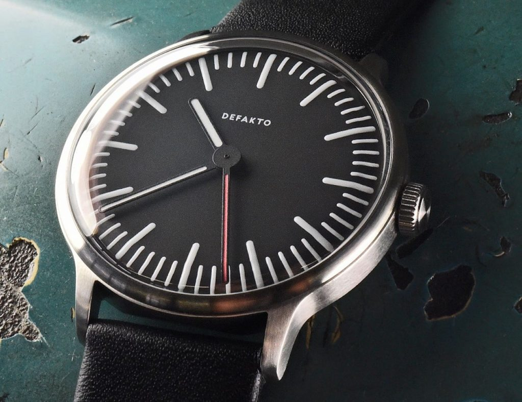 Defakto+Transit+Standard+Thin+Modern+Watch+is+just+9.8+millimeters+tall