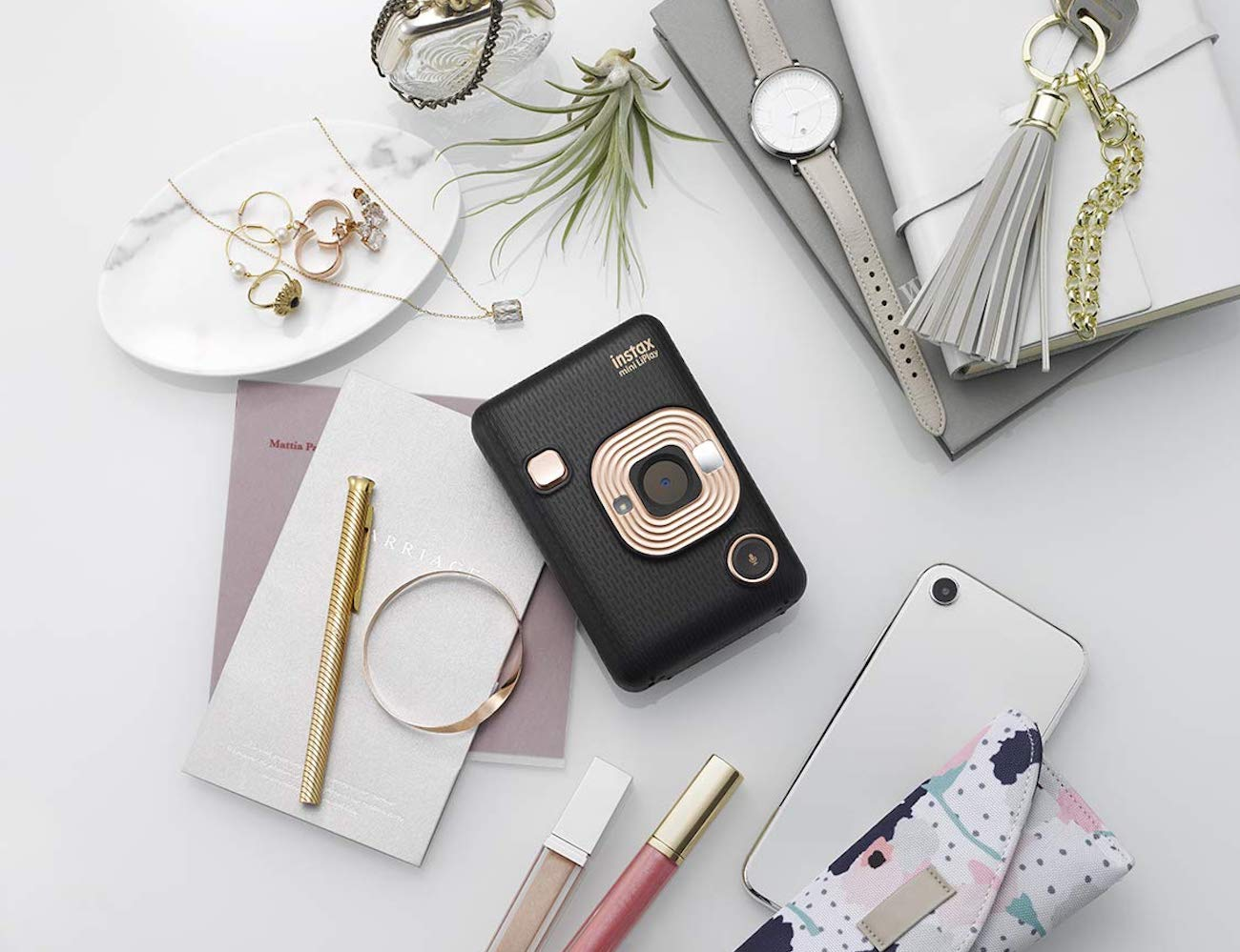 Fujifilm Instax Mini LiPlay Smartphone Printer Camera lets you print out photos on the go