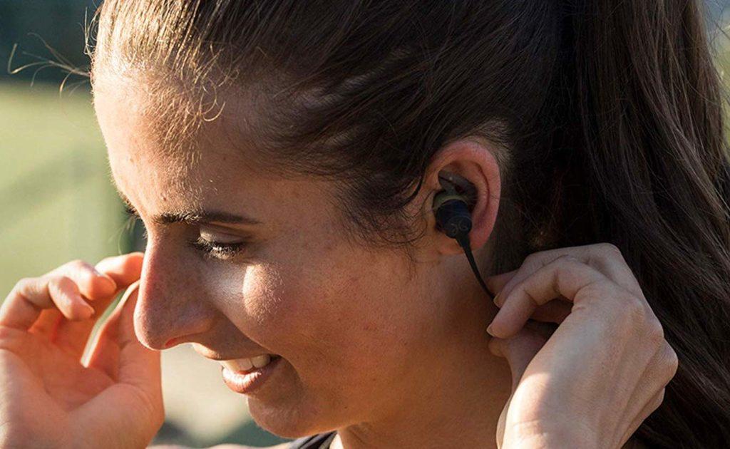 Jaybird+Tarah+Bluetooth+Sport+Headphones+can+play+for+6+hours+straight