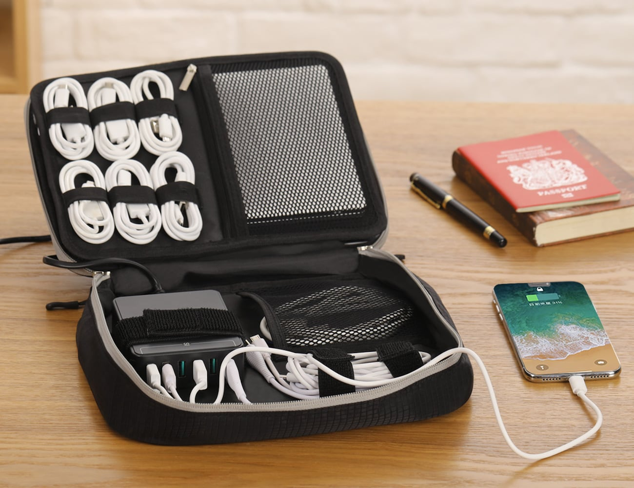 Jelly Comb 3-Layer Electronics Organizer Pro Travel Tech Bag sorts all your cords and devices