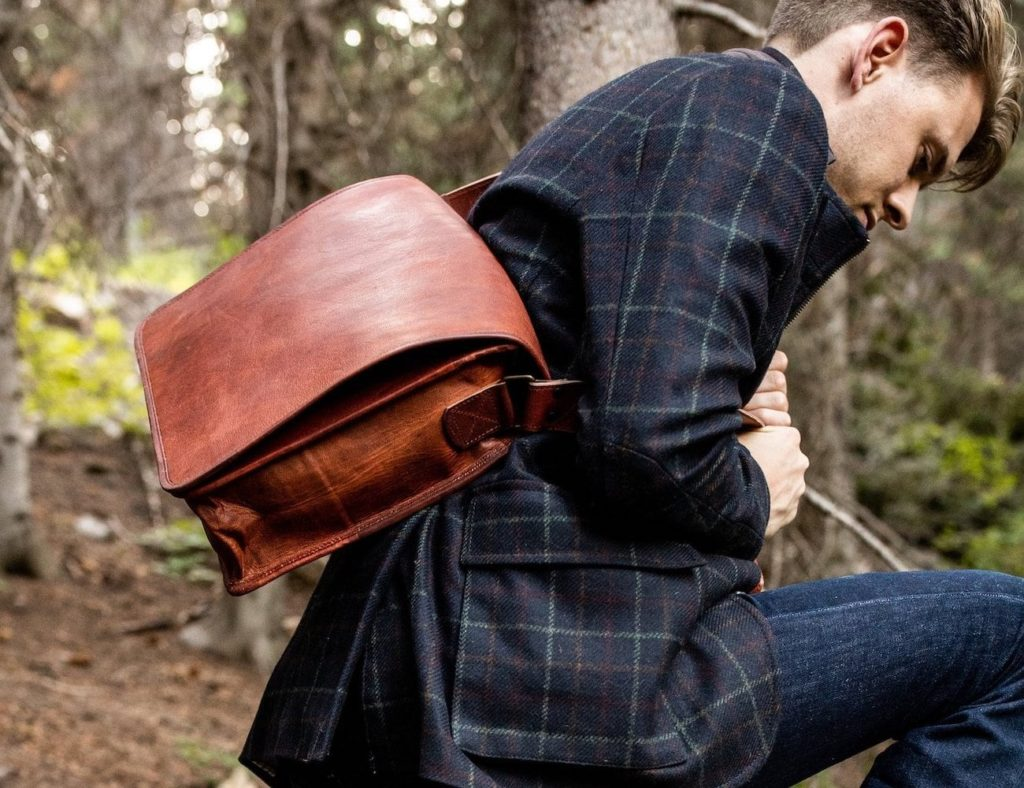 Kodiak+Leather+Messenger+3-Compartment+Shoulder+Bag+is+spacious+enough+for+all+your+belongings