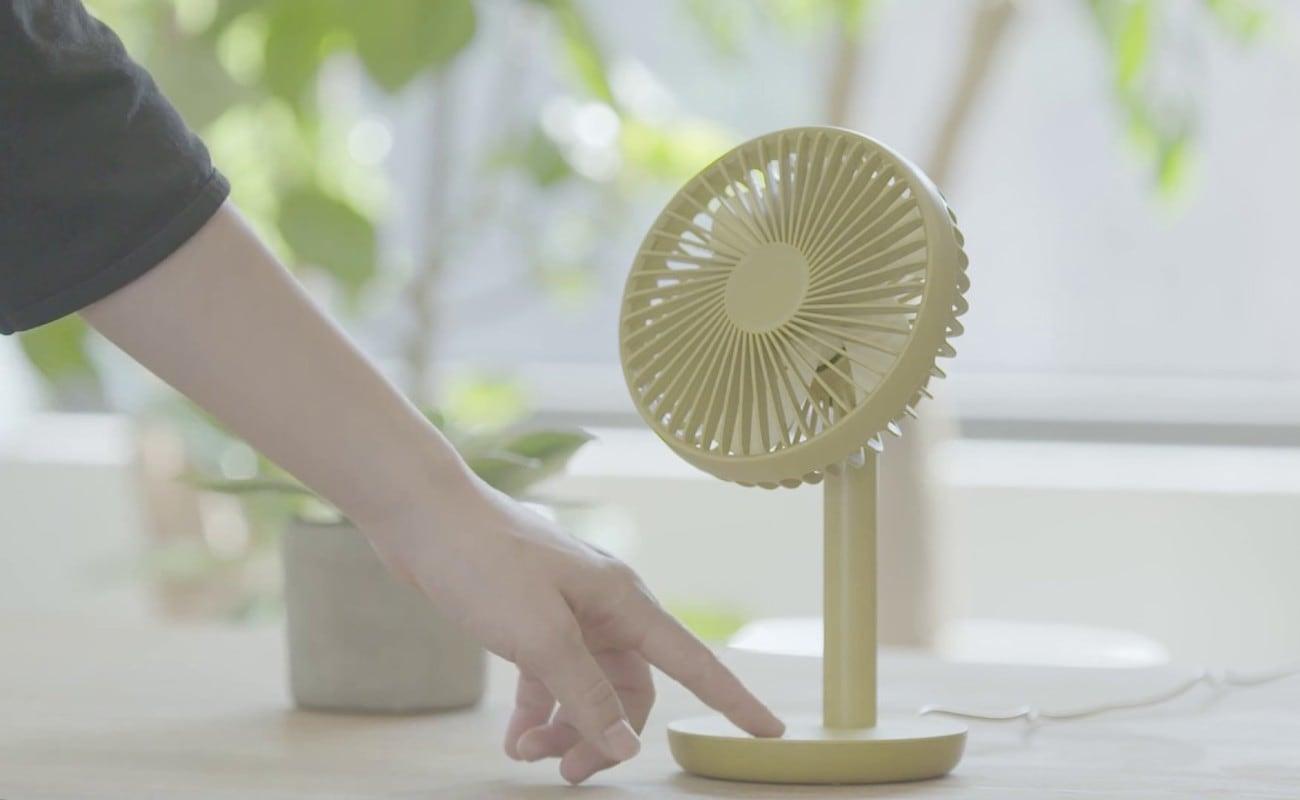 LUMENA N9 Mini USB Desktop Fan gives you wind speeds up to 5W