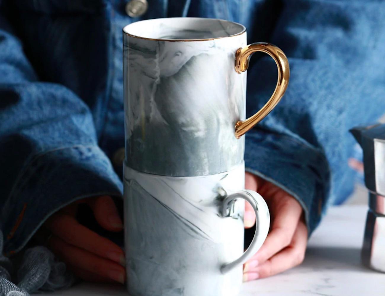 Lekoch Gold-Rimmed Marble Coffee Mug is fabulously stylish