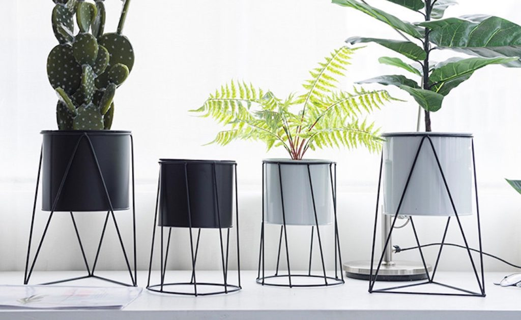 Minimalist+Elevated+Flower+Pot+Stand+adds+simplicity+to+home+plants