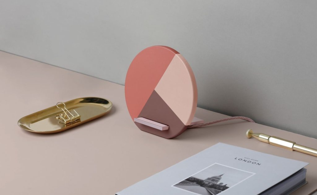Native+Union+Dock+Marquetry+Wireless+Charger+Fast+Charging+iPhone+Stand+is+handmade+from+leather