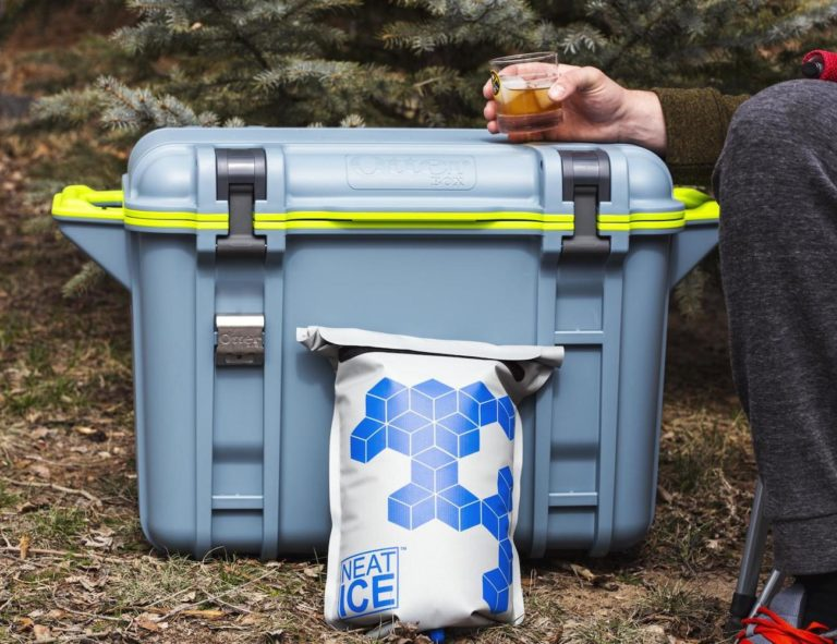 NeatIce+Reusable+Cooler+Bag+prevents+unnecessary+waste+of+water+and+single-use+plastic