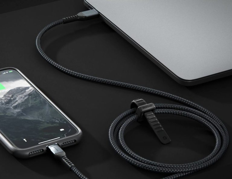 Nomad+USB-C+to+Lightning+Cable+Kevlar-Reinforced+Cord+quickly+charges+your+iPhone