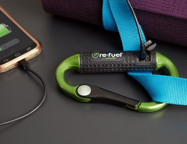 Re-Fuel+Carabiner+Power+Bank+is+on+the+go+charging+perfected