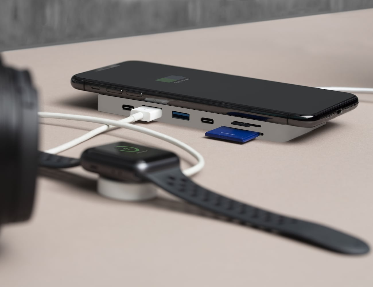 Trooss Smart USB-C Charging Hub