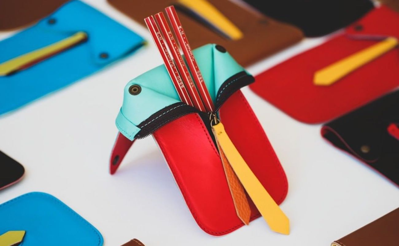 Viarco Zippable Pencil Jacket is the perfect way to hold your pencils and pens