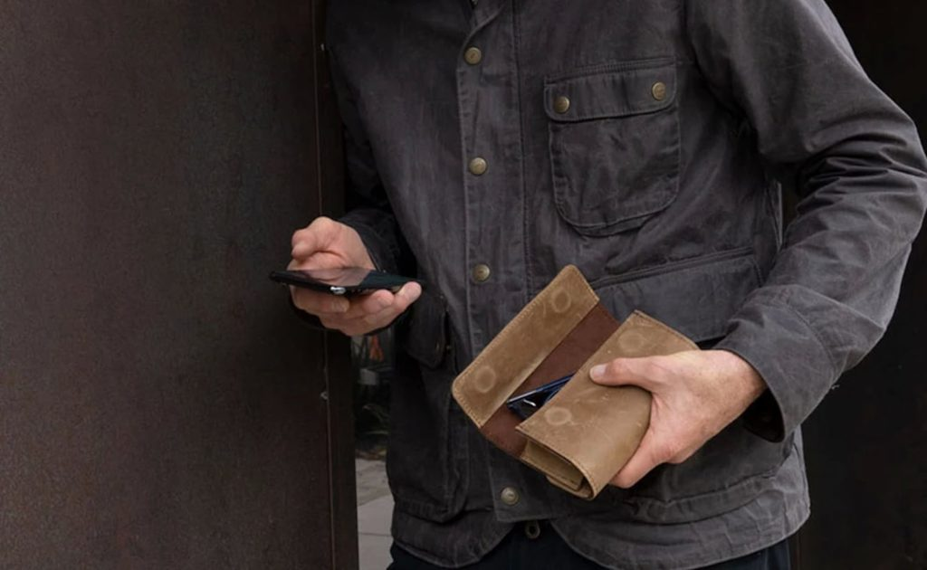 WaterField+Designs+Dynamic+Duo+Glasses+Case+Leather+Spectacle+Holder+carries+two+pairs+at+once