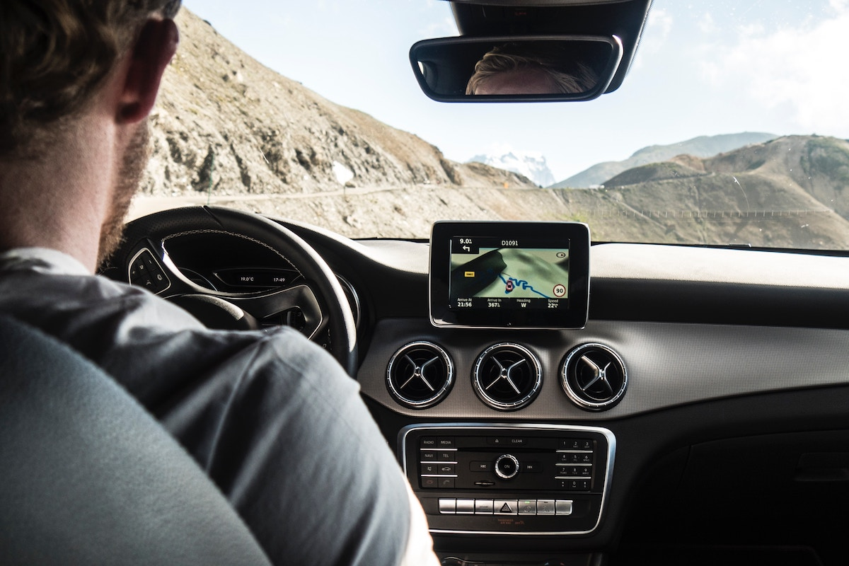10 Car accessories to improve your next road trip
