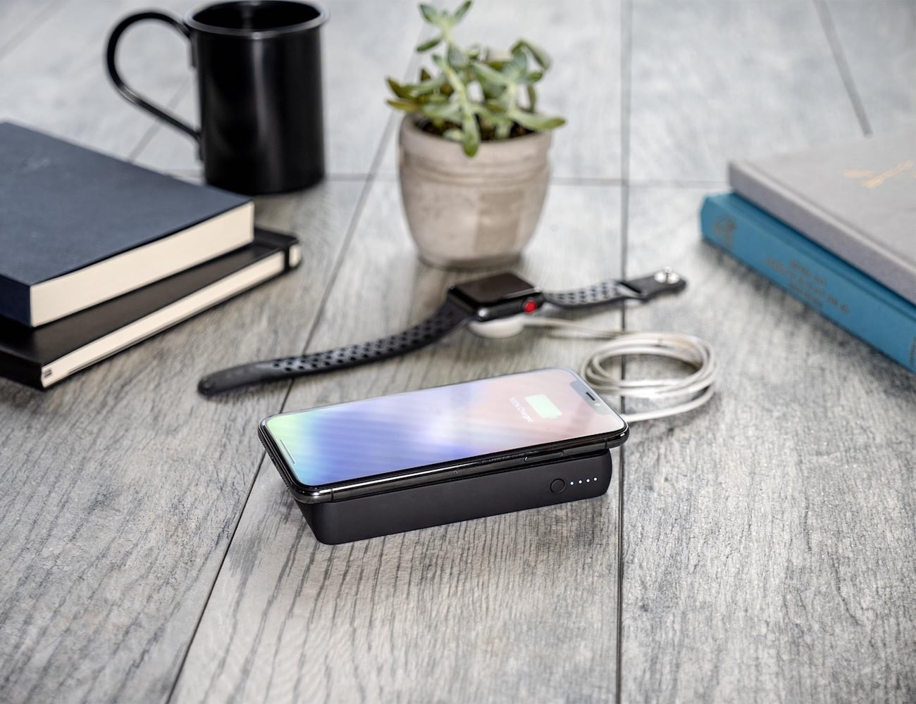 mophie charge stream powerstation wireless XL with Lightning connector Power Bank provides 10,000 mAh