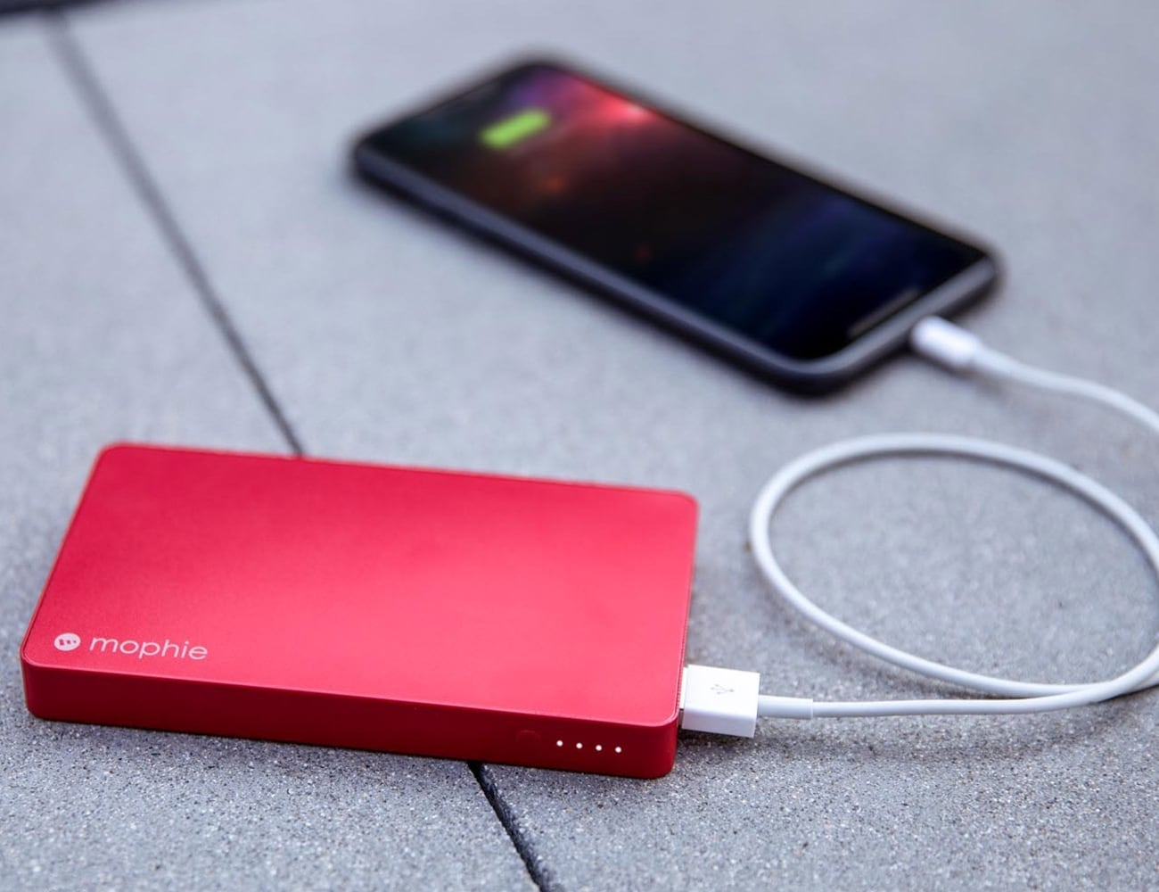 mophie powerstation with Lightning connector 5,050 mAh Power Bank charges two devices simultaneously