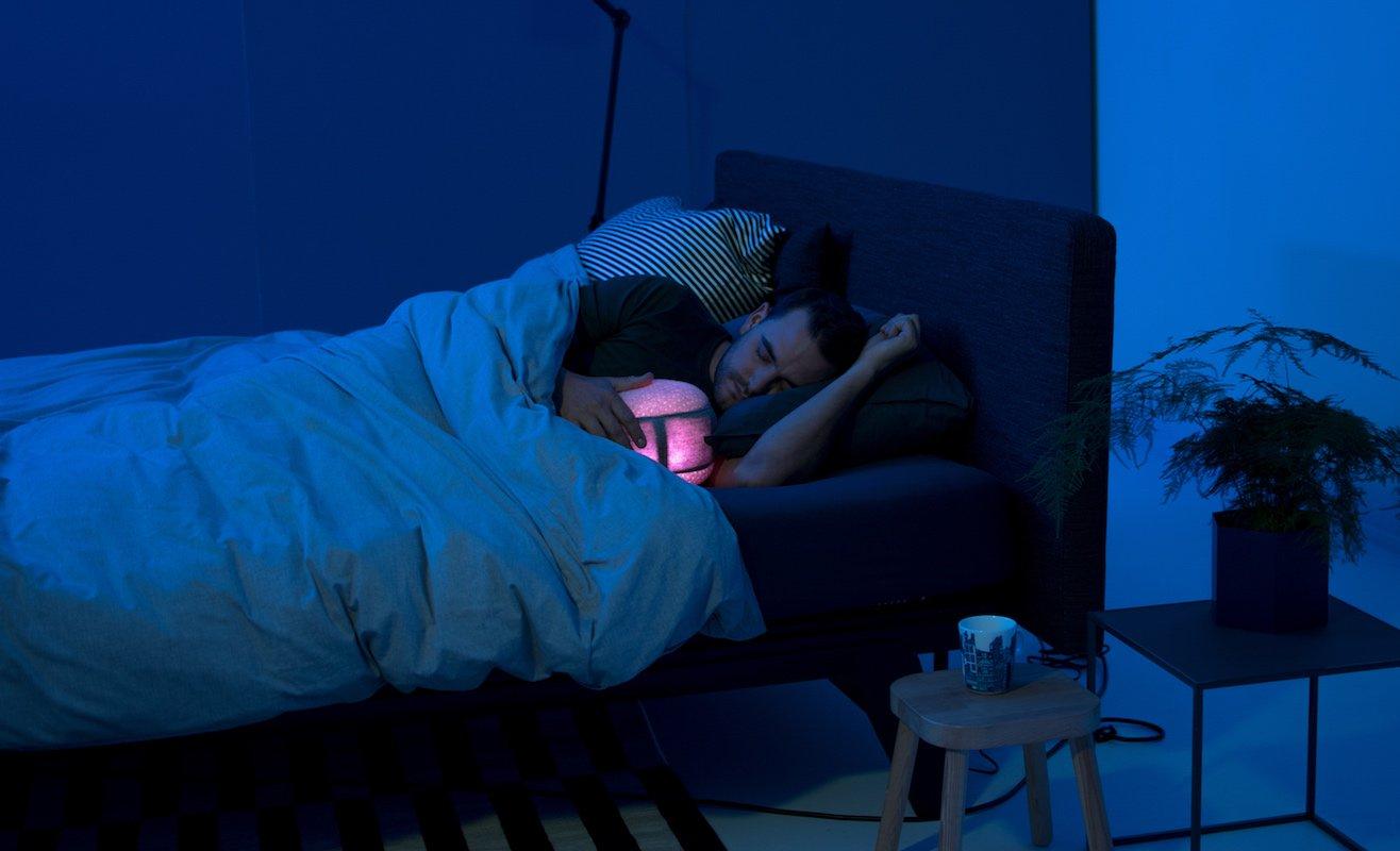 10 Sleep tech gadgets to help you get some shuteye - Somnox 0