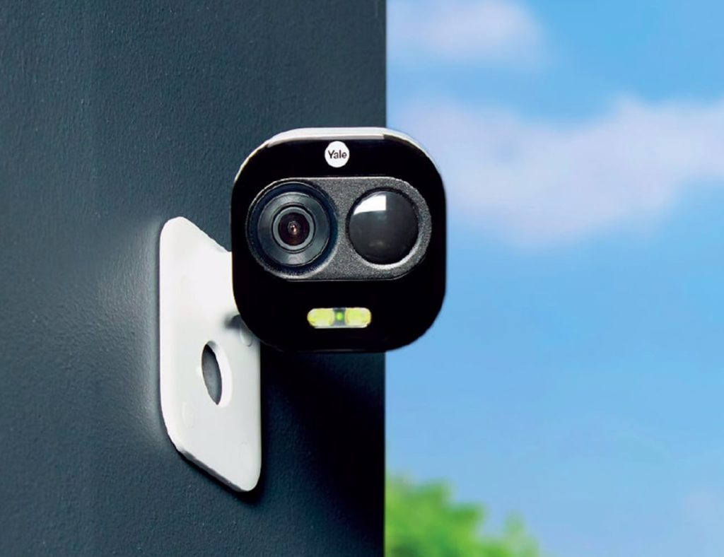 Finding the right smart home camera for your home - Yale 03