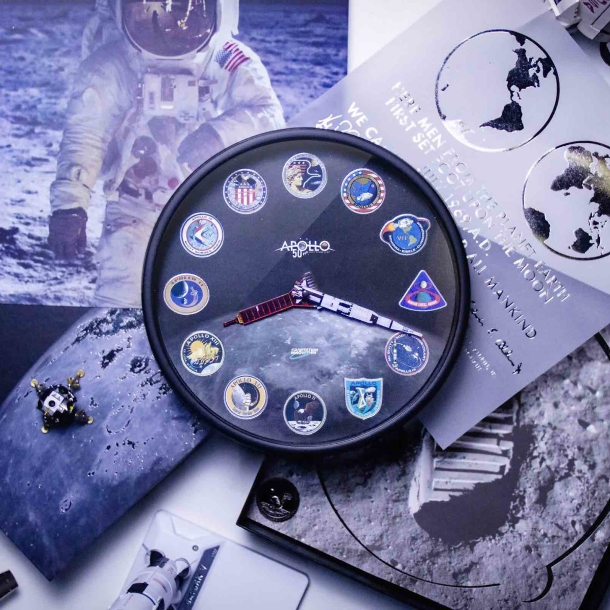 Apollo AR Clock & Saturn V AR Metal Model Moon Landing Anniversary Devices bring the lifelike experience to your desk