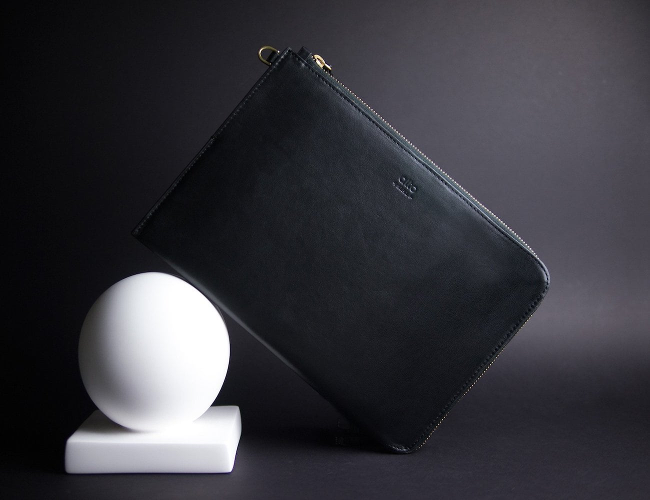 Alto Leather Clutch Elegant iPad Pro Case