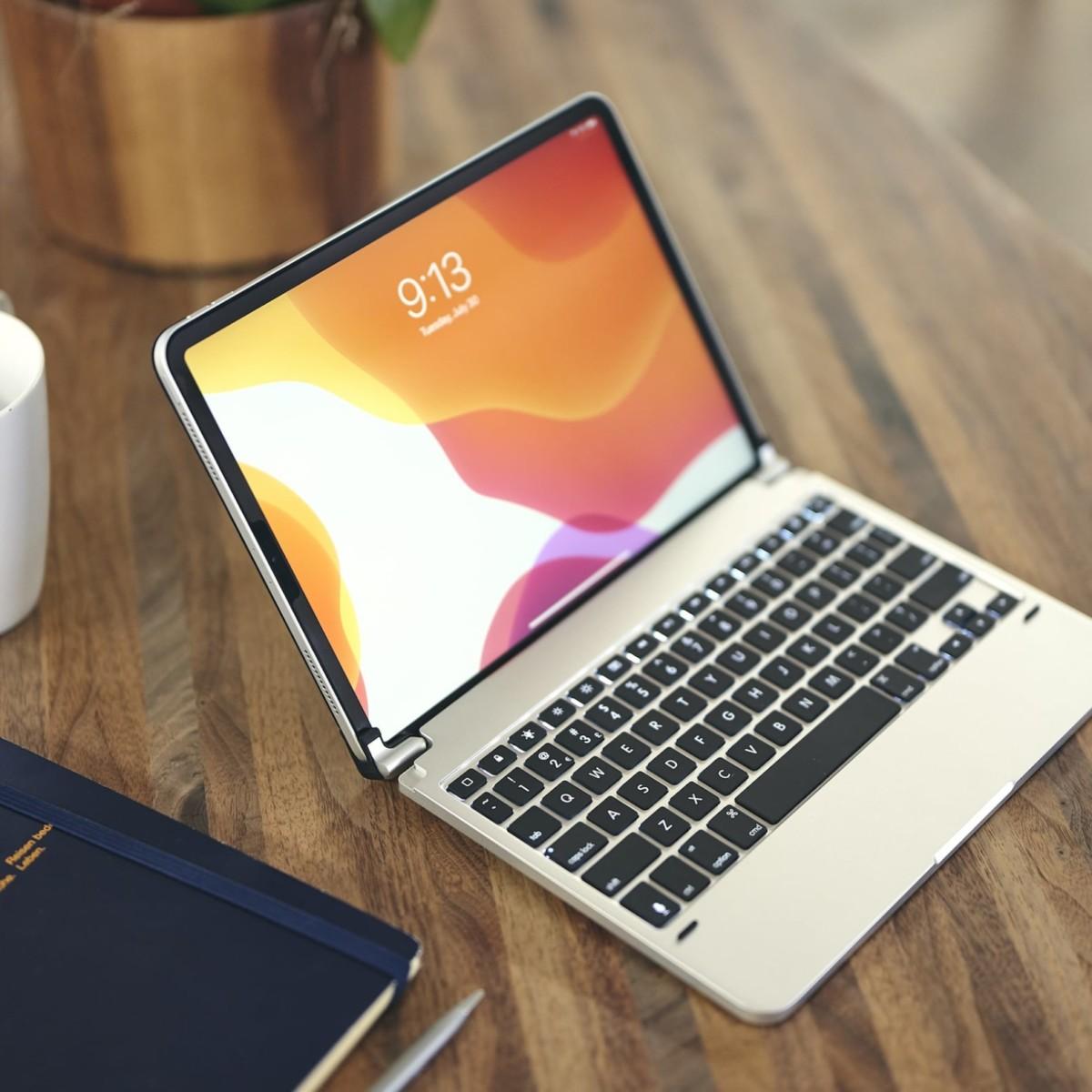Brydge Pro iPad Pro Keyboard turns your iPad into a laptop