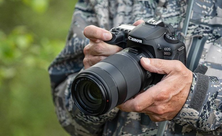Canon EOS 90D DSLR Camera shoots continuously at 10 fps
