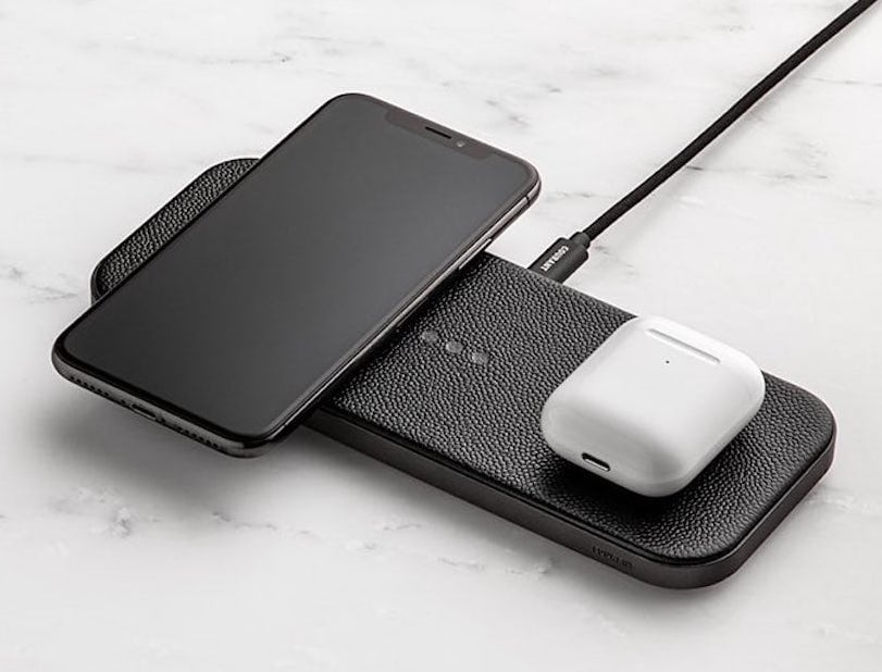 Courant CATCH:2 Multi-Device Wireless Charger powers up two smartphones at once