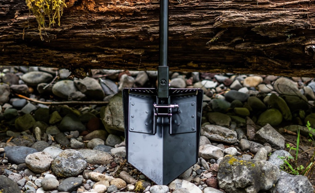 DMOS+Delta+Shovel+3-in-1+Survival+Tool+is+built+for+the+toughest+jobs