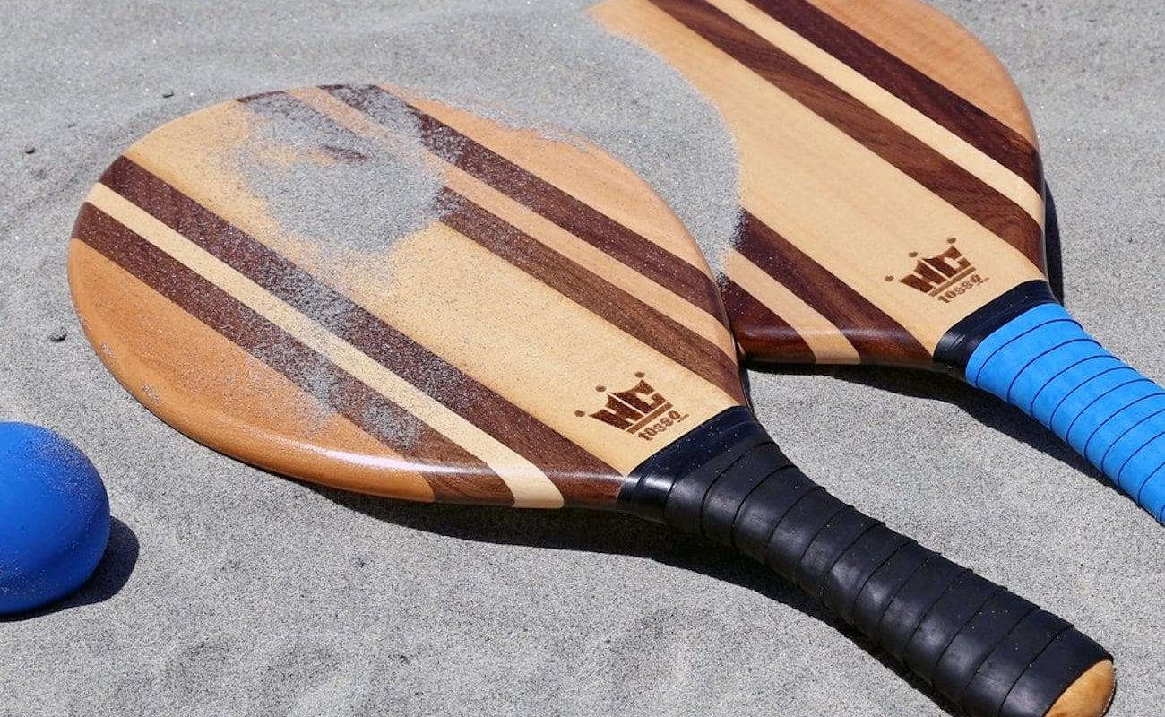 Frescobol Wood Paddle Ball Set features beautiful wood grain