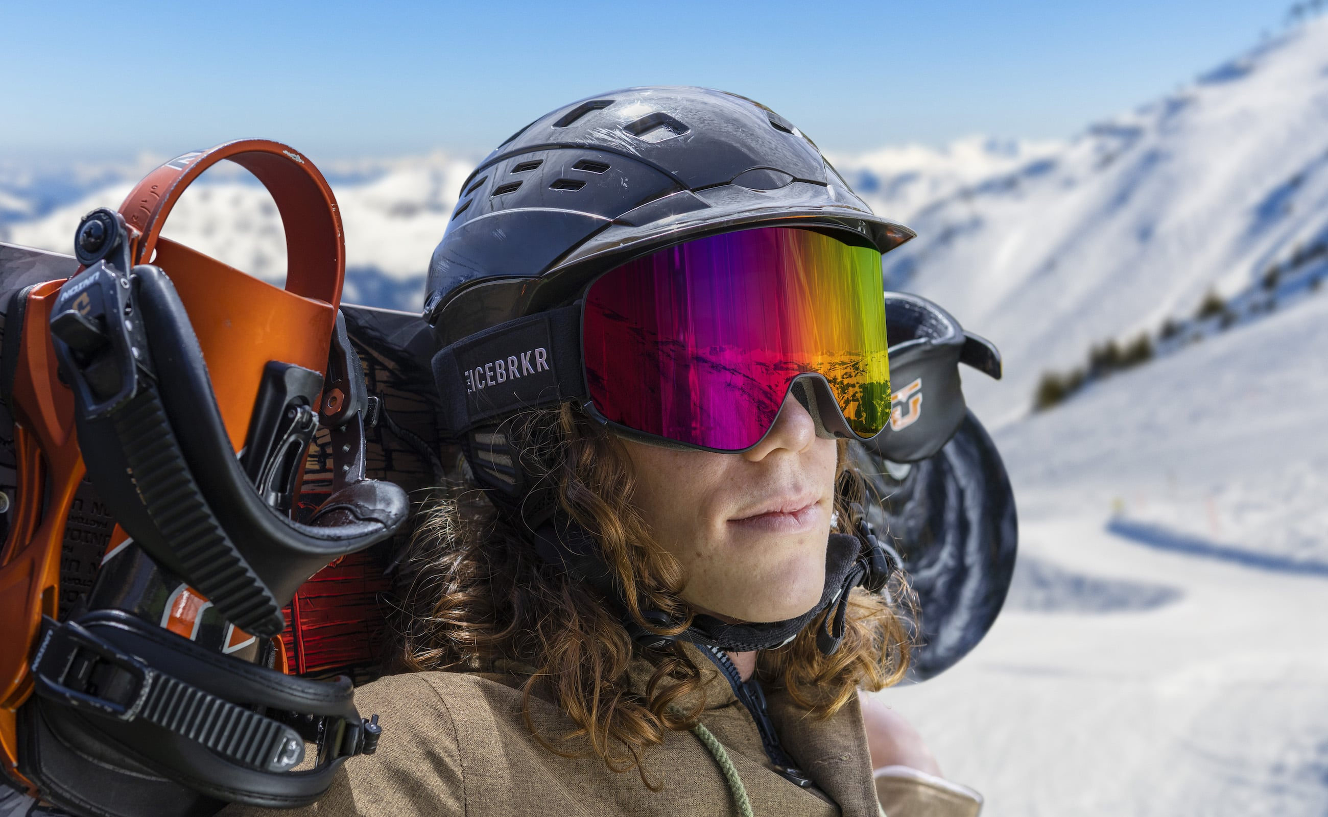IceBRKR Bone Conduction Audio Ski Mask also has an intercom function