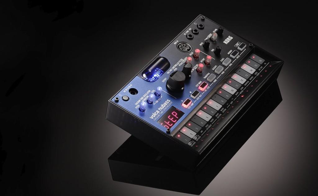 Korg+volca+nubass+Vacuum+Tube+Synthesizer+provides+warm%2C+deep+analog+sound
