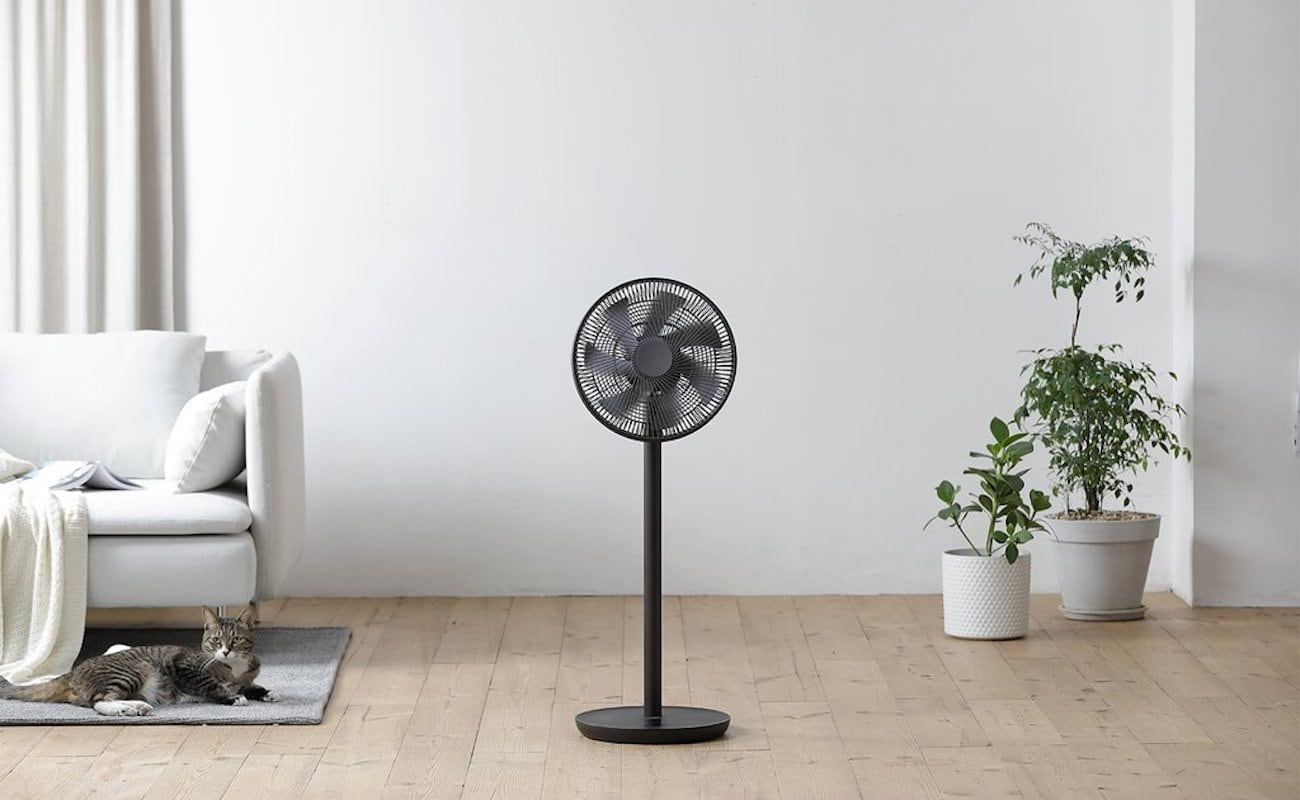 LUMENA N9-FAN CLASSIC Wireless Oscillating Pedestal Fan quietly provides 5 wind speeds