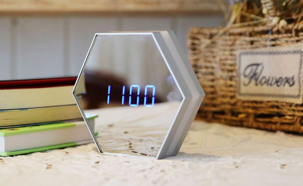 Multi-Function+LED+Mirror+Alarm+Clock+offers+four+functions+in+one