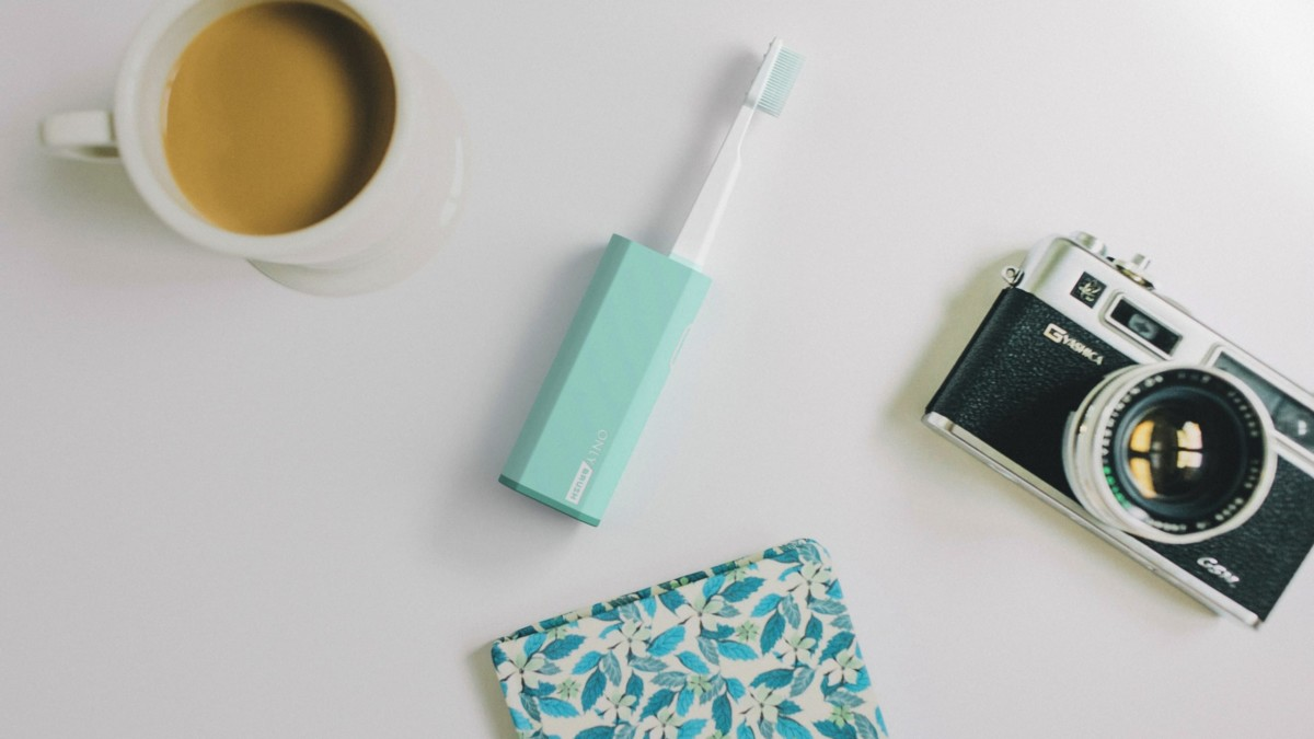 OnlyBrush Nanotech Portable Smart Dental Kit includes toothpaste, floss, and a mirror