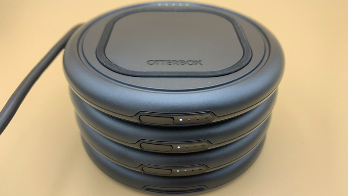 OtterBox OtterSpot Wireless Charging System Stackable Qi Chargers let you share your power