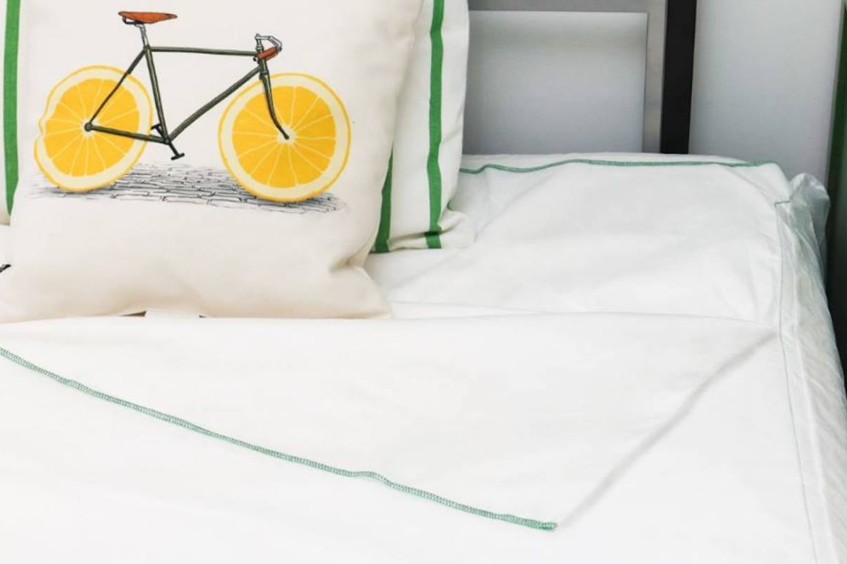 Peelaways Disposable Fitted Sheets provide clean bedding in seconds