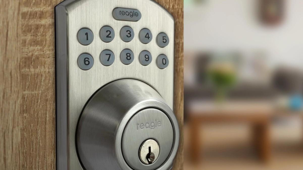 Reagle Smart Deadbolt Lock installs in just 15 minutes