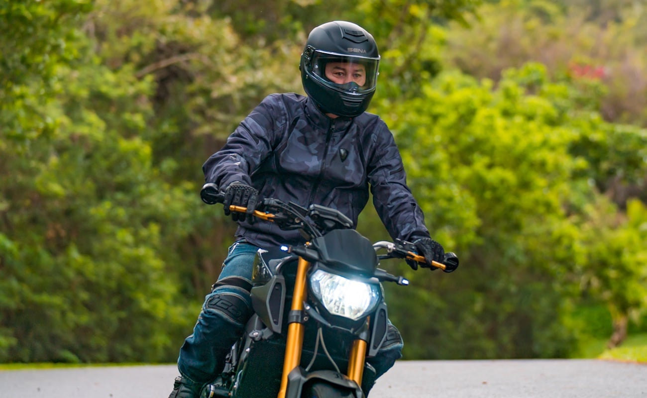 Sena Momentum Smart Motorcycle Helmet keeps you connected on the road