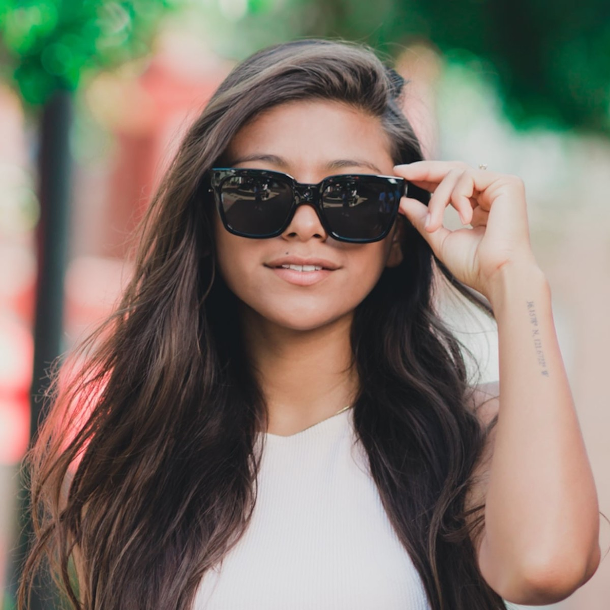 Trendloader Alpha Live Video-Streaming Sunglasses let you share your experiences in real time