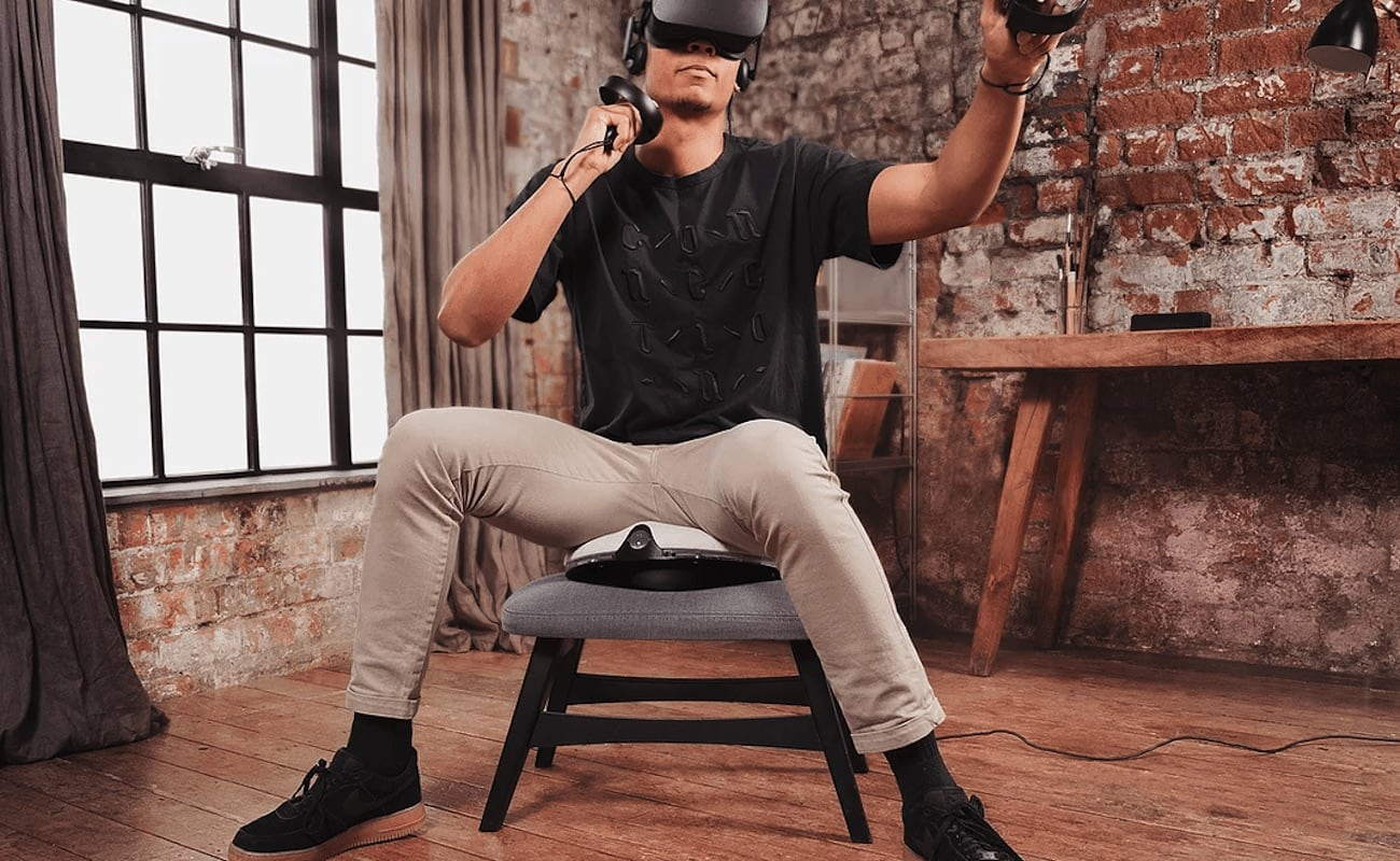 VRGO Mini Virtual Reality Movement Controller helps you avoid getting motion sick