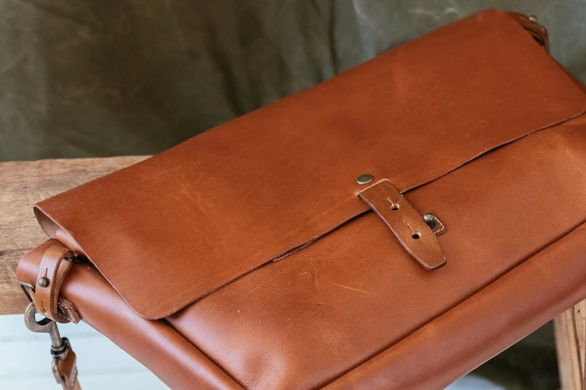 WP Standard Leather Vintage Messenger Bag is reminiscent of past postal workers