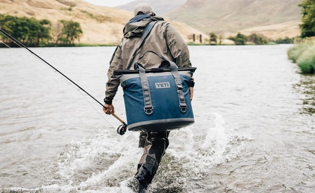 Yeti+Hopper+M30+Durable+Soft+Cooler+has+a+magnetic+wide-mouth+opening