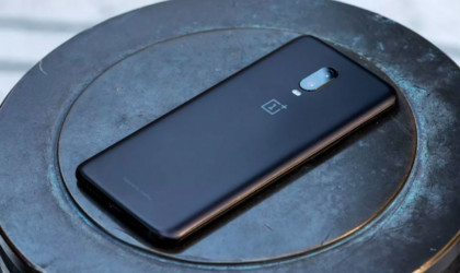 10 Best smartphones that are as good as the iPhone - OnePlus 6T 03