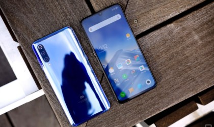 10 Best smartphones that are as good as the iPhone - Xiaomi Mi 9 01