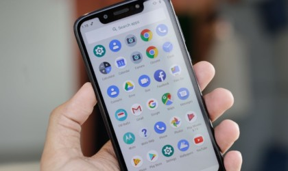 10 Best smartphones that are as good as the iPhone - Motorola Moto G7 01