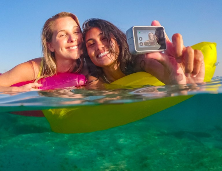 What is the best travel camera 2019 - GoPro HERO7 01