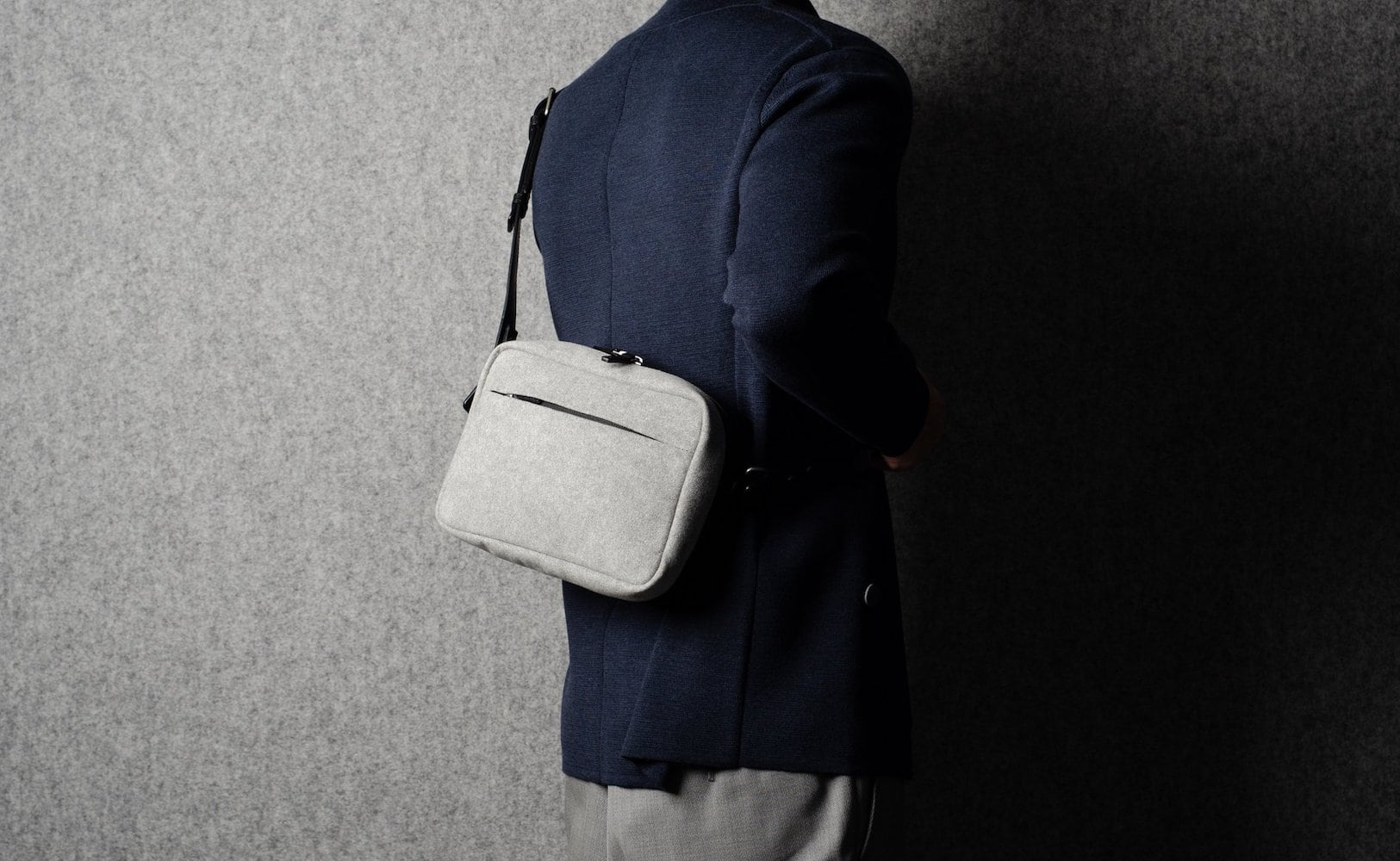 hardgraft All-Rounder Practical Leather Pack helps you tote all your daily essentials