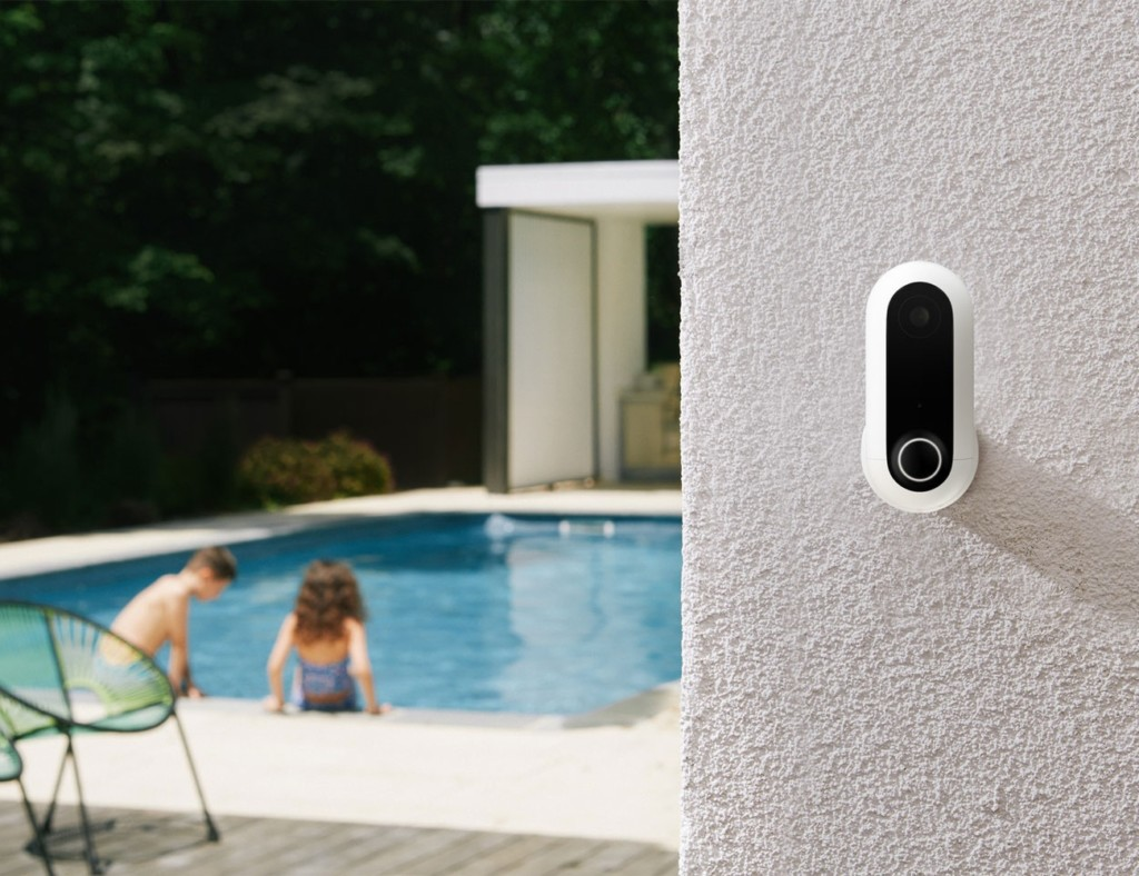 Our favorite HD security cameras to monitor your home - Canary Flex 03