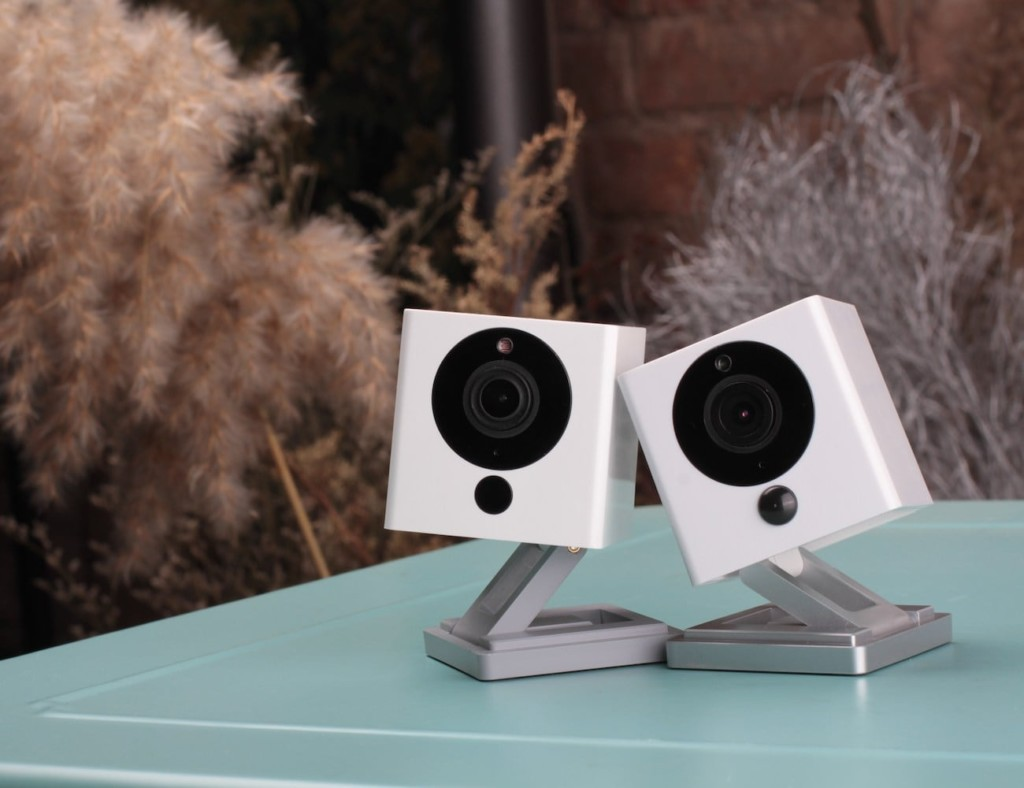 Our favorite HD security cameras to monitor your home - Neos SmartCam 02